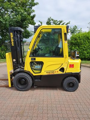 Hyster® Fortens™ lift truck conversion for defence industry customer
